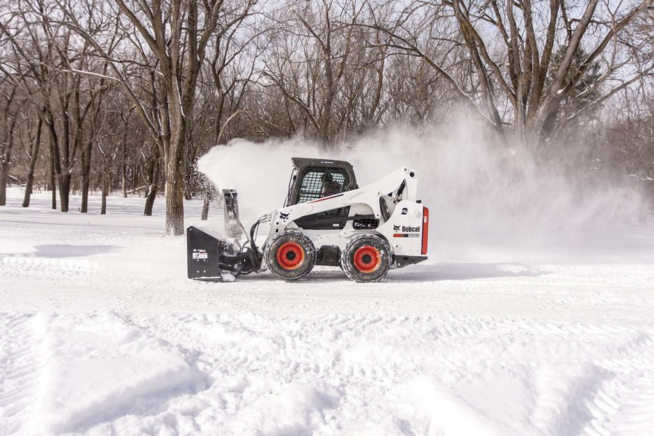 s740-with-snowblower-209402-128836-hr_mg_full
